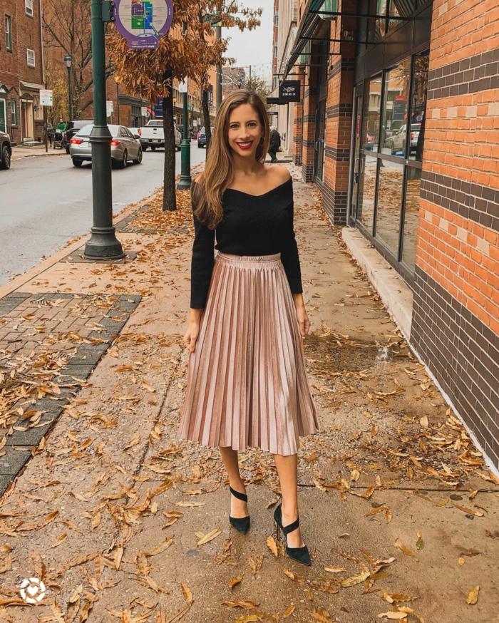 les tenues d automne quel manteau avec une robe longue tenue jupe plissée et top epaules denudees noir