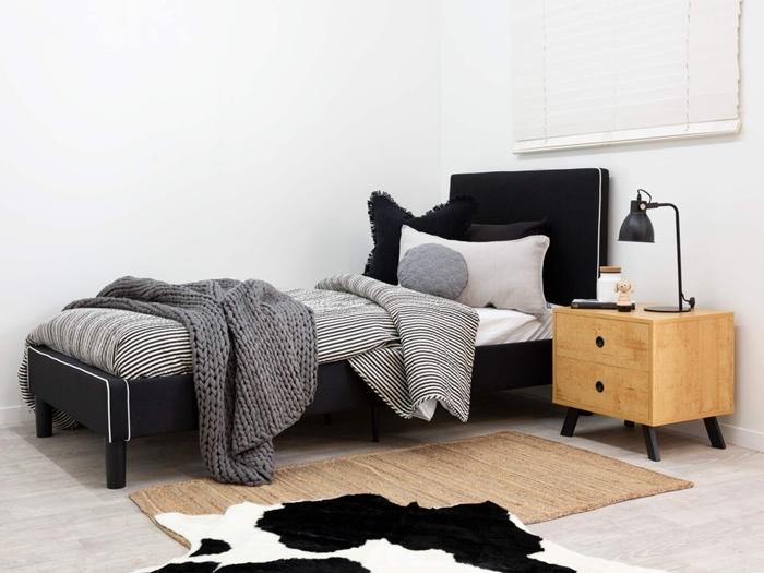 lit avec tete de lit pour chambre enfant de style minimaliste décoration chambre blanc et gris avec accents en noir meubles bois