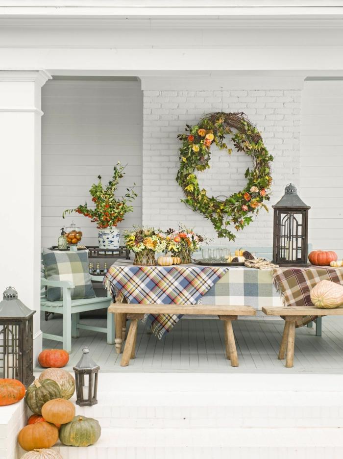 maison bien decoree couronne de feuilles et fleurs deco table d automne idee deco de table d automne a faire soi meme