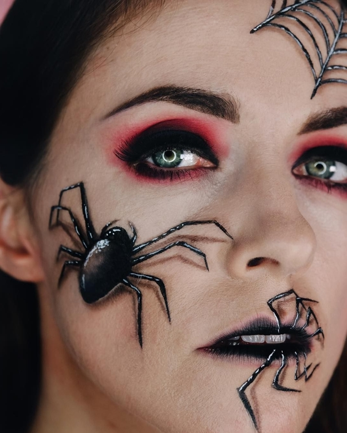 maquillage halloween araignée yeux smoky technique fards à paupières ombré noire et rouge foncé dessin araignée 3d