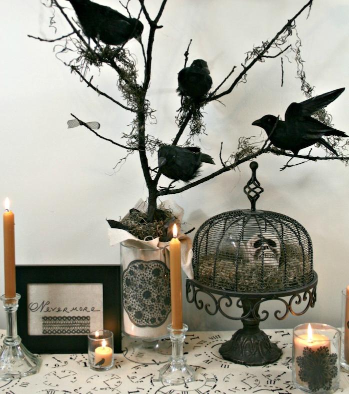 mini photophores diy en verre avec bougie et décoration de dentelle noire bricolage halloween déco soirée halloween terrifiante