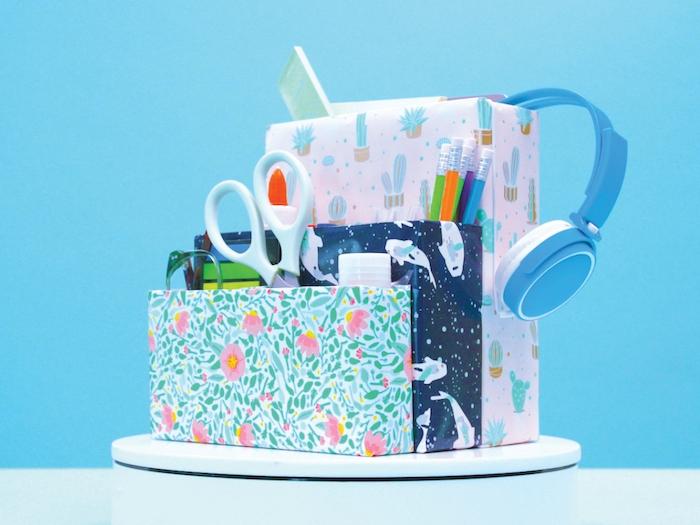 organisateur bureau en boite de cereales carton recyclé idée range document bureau décoré de papier scrapbooking de l exterieur