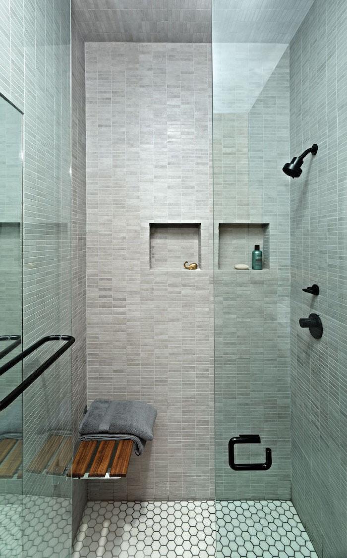 petite salle de bain moderne avec douche siege salle d eau cloisonnee