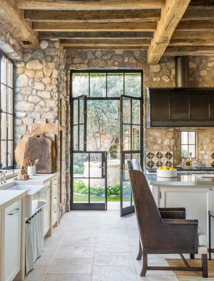 pierres sur les murs maison a la campagne blanche cuisine campagne maison cuisine au style ancienne
