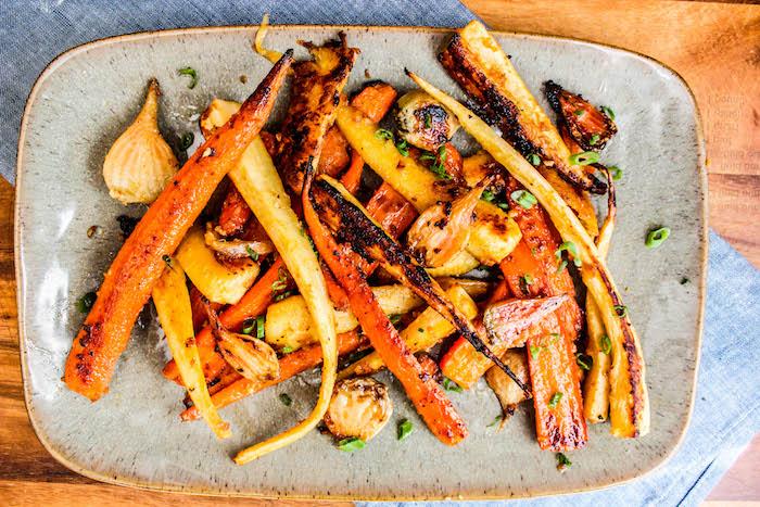 recette entree automne des legumes racines au four carottes oignons ail