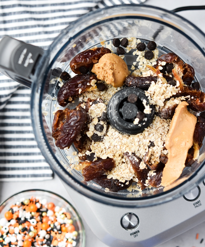 recette healhty truffes aux dattes et flocons d avoine cacao idée pour le gouter halloween repas simple