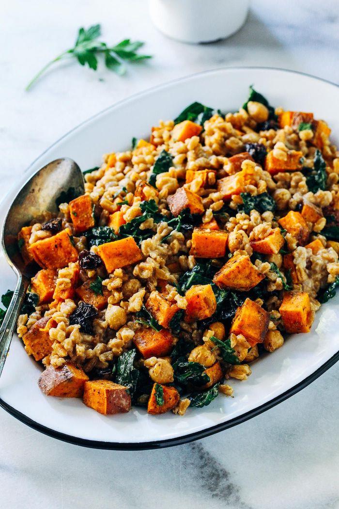 recette plat principal d automne de quinoa patates douces et chou frise