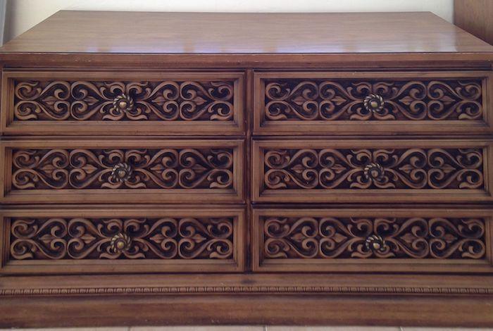 relooker un meuble ancien en bois commode vintage avec des sculptures en bois