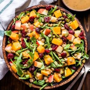 5 recettes de salade d'automne, faciles et délicieuses, à tester illico