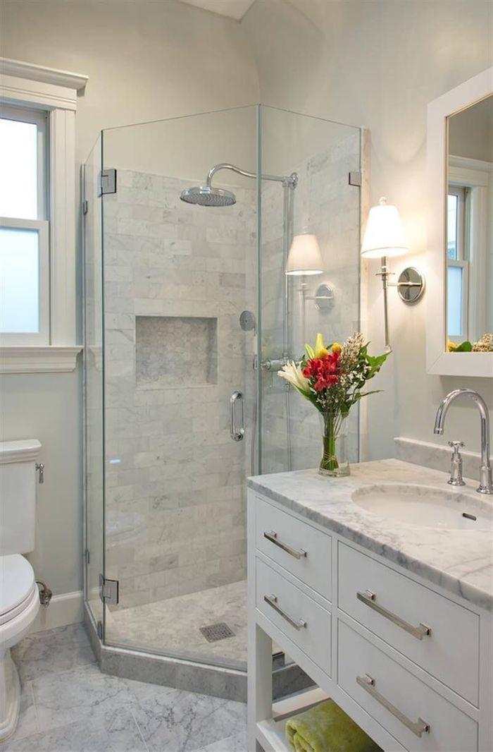 salle de bain amenagement lavabo en marbre cabine de douche petite surface