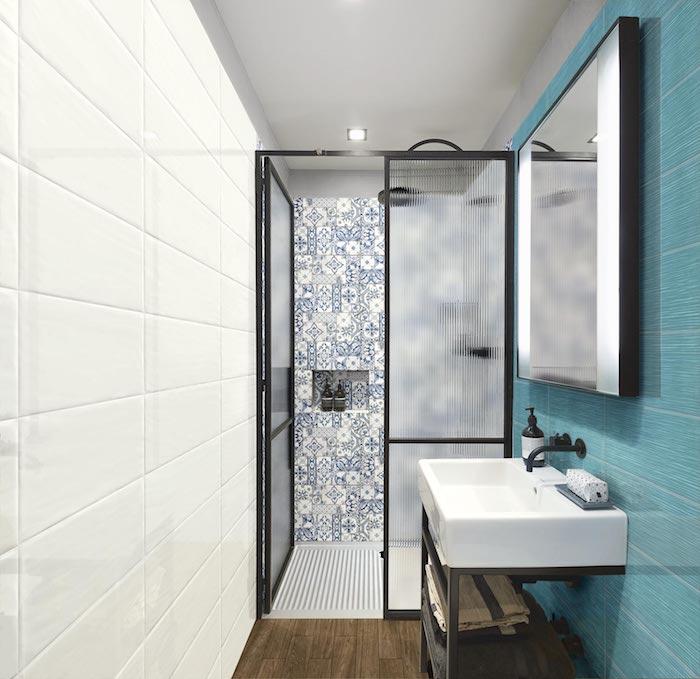 salle de bain moderne idees de carrelage et couleurs bleu mosqiaue miroir