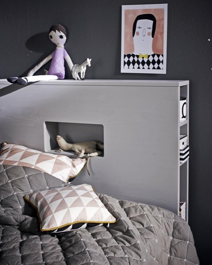tete de lit avec rangement peinture murale foncée gris anthracite mur couverture de lit gris déco chambre enfant minimaliste