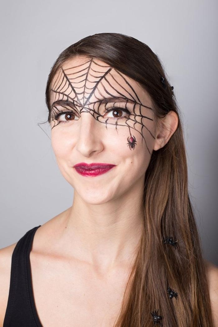 toile d araignée dessin fête halloween maquillage femme yeux marron rouge à lèvre rouge toile araignée crayon noir