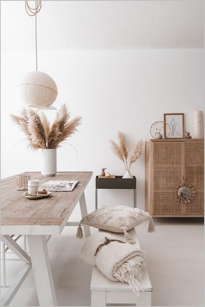 vase pampa déco tendance fibre naturelle objets textiles coussin macramé glands table à manger bois et blanc