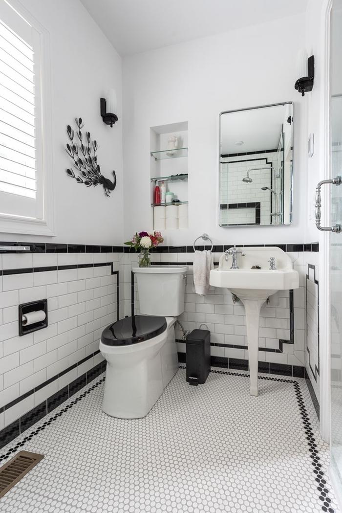 évier sur piédestal miroir salle de bain retro style décoration petite salle de bain avec cabine douche peinture blanche