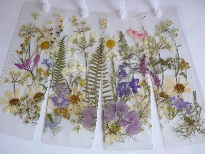 activité manuelle ado comment faire des marque page avec fleurs pressées decoration avec fleurs sechees corde