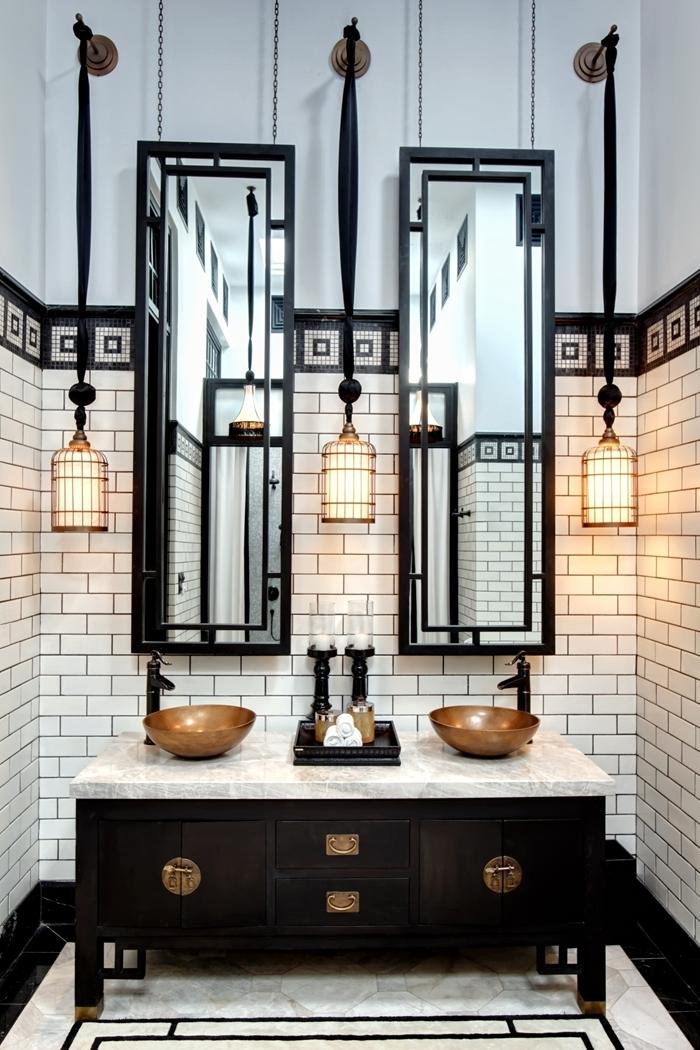 architecture art deco design intérieur aménagement salle de bain blanc et noir comptoir marbre armoires marron foncé