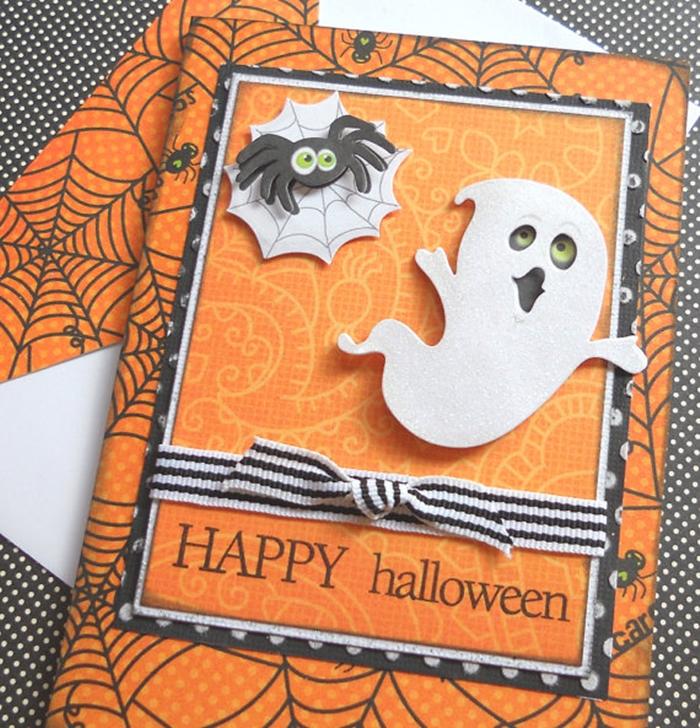 art papier technique scrapbooking fabriquer une carte pour la fete d halloween motif fantome papier cartonne orange et blanc a motifs