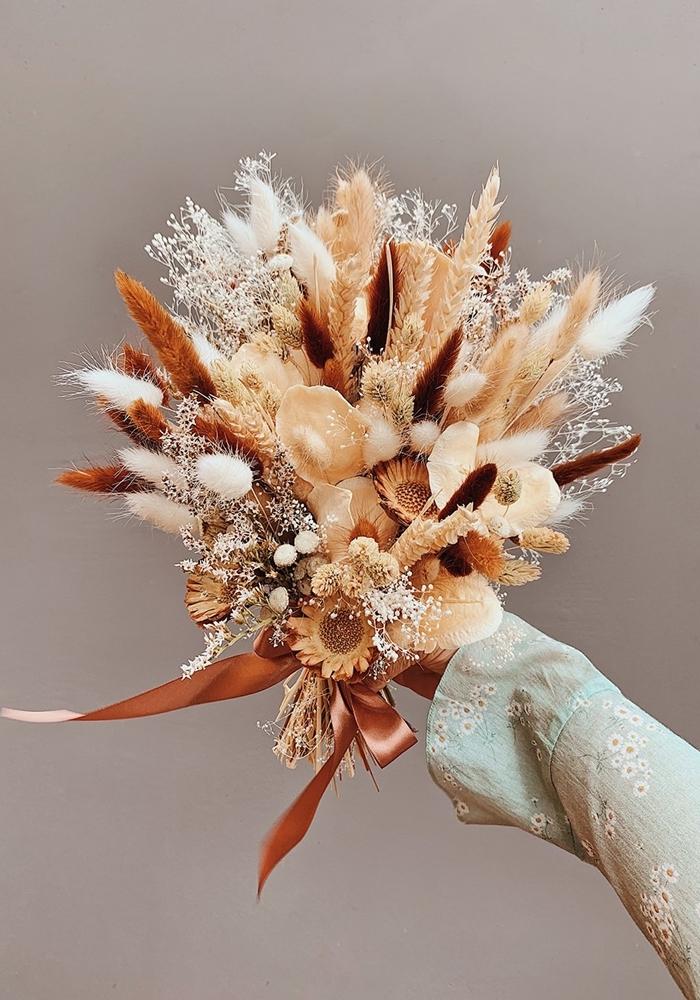 bouquet de herbes séchées à l air libre diy composition florale style bohème deco automne a faire soi meme