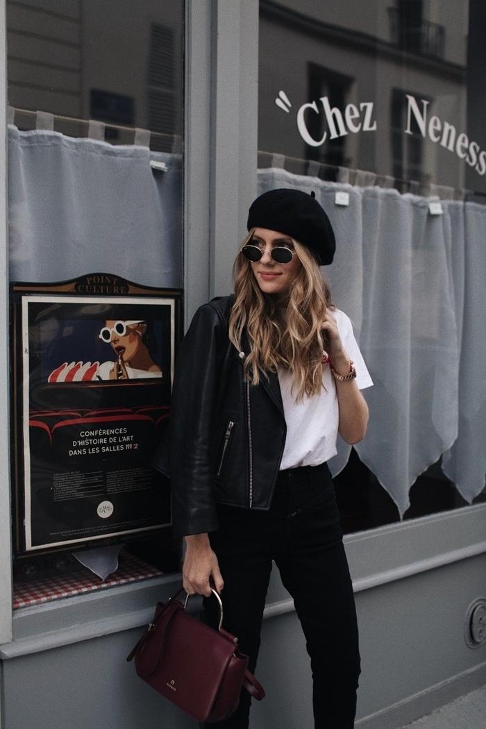 casual chic femme mode vêtements tenue blanc et noir pantalon noir taille haute t shirt blanc veste simili cuir noir