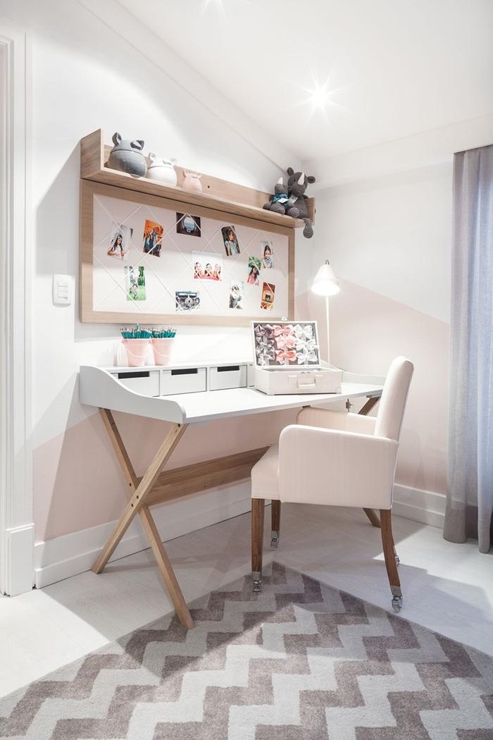 chambre ado fille moderne design bureau étudiant et beauté chaise bois et tissu rose pâle étagère murale bois