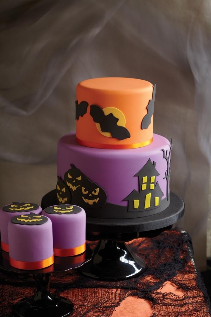 chauve souris en fondant colorant alimentaire noir petit gateau halloween maison hantée citrouille jack o lanterne