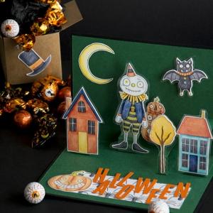 comment fabriquer une carte d halloween facile papier cartonné vert foncé figurines papier scrapbooking motifs halloween épouvantail citrouille chauve souris