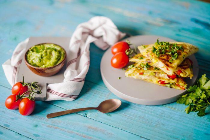 comment faire quesadillas recette maison de quesadilla au blanc de poulet aux légumes style fajitas brunch simple a faire