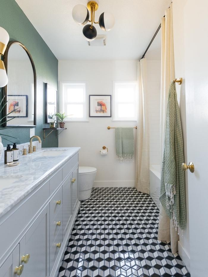 comptoir marbre blanc robinet laiton miroir cadre doré applique murale blancet or motif art deco design salle de bain