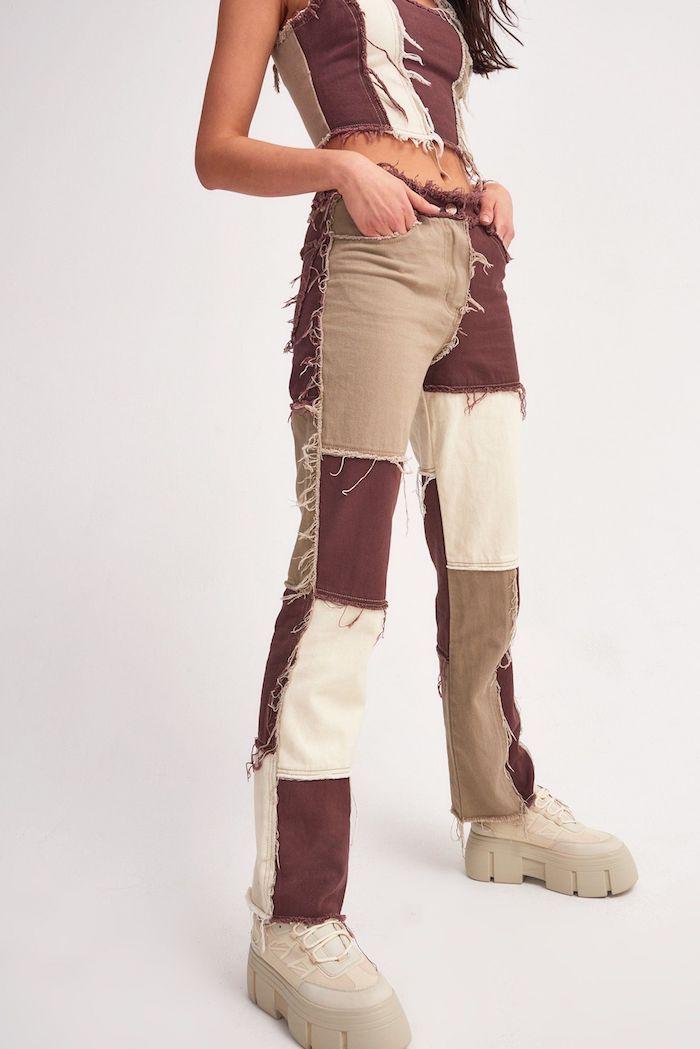 customiser un jean utiliser des morceaux des differents couleurs idee originales pour vetement