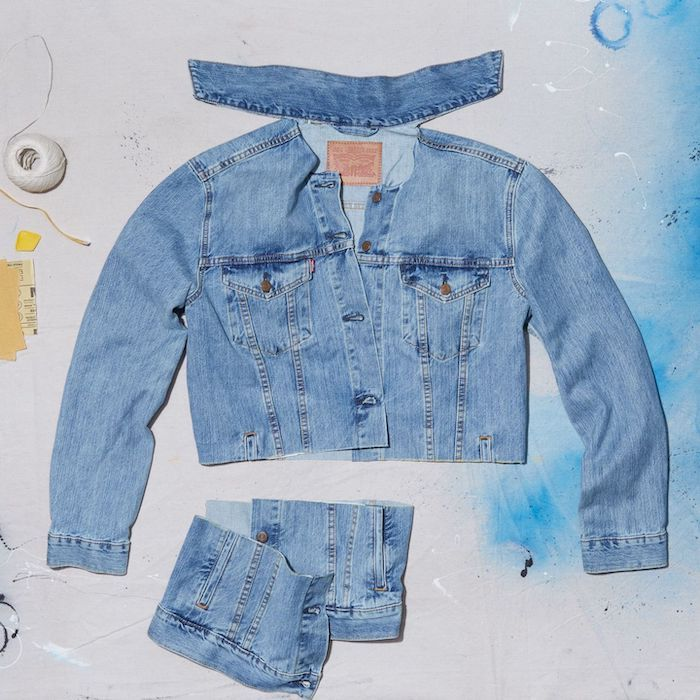 customiser veste en jean en coupant les bords en bas et la colle un jean levis personnalise