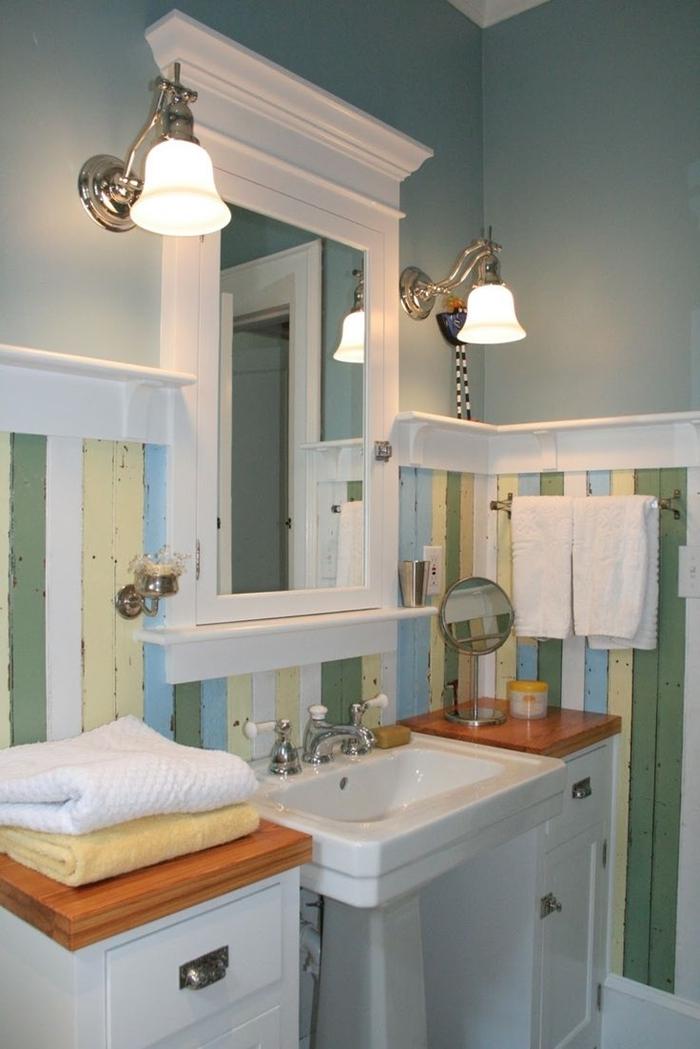 deco art deco facile salle de bain rénovation style rétro planches bois repeintes nuances pastel comptoir bois tiroirs blancs