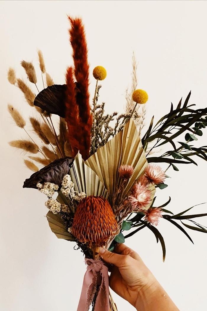 deco automne a faire soi meme bouquet plantes herbes séchées à l air libre méthode séchage fleurs facile