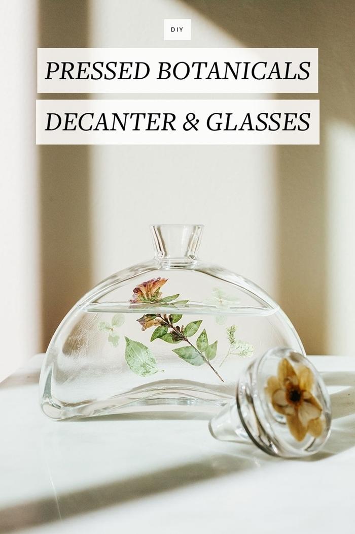 deco fleurs sechees activité manuelle facile diy cadeau original contenant en verre fleurs pressées bouchon verre