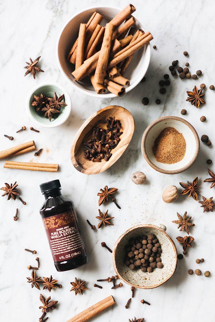 diy noel idée comment faire pot pourri maison cannelle anis étoilé vanille girofle épices de noel parfumantes