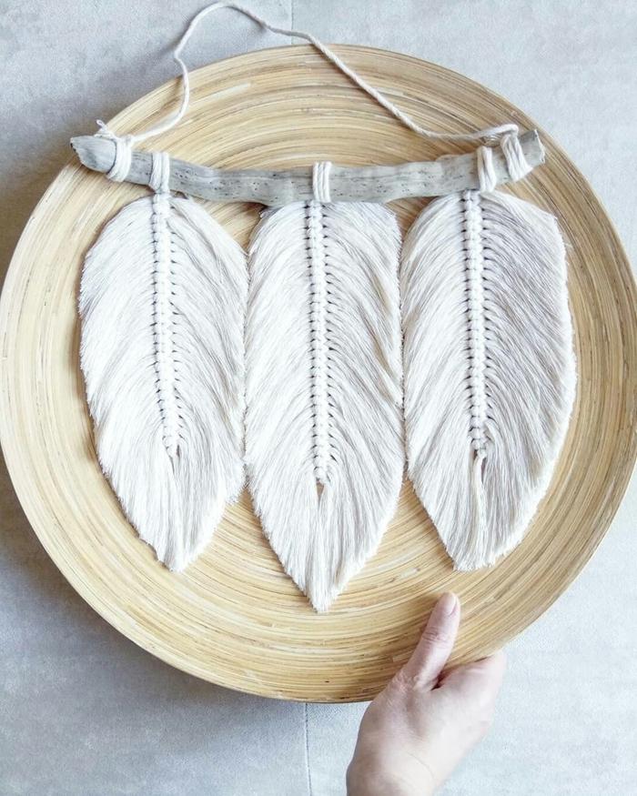 exemple comment faire du macramé facile sous forme de feuilles automne fil macramé bâtonnet bois flotté bol bambou