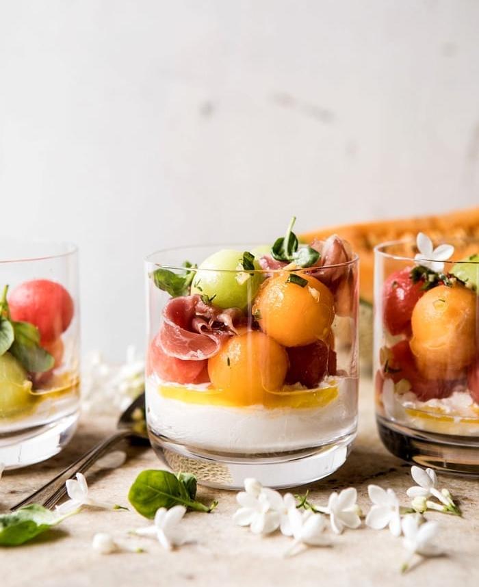 exemple verrine apero salade fruits melon prosciutto et burrata en verre recette italienne