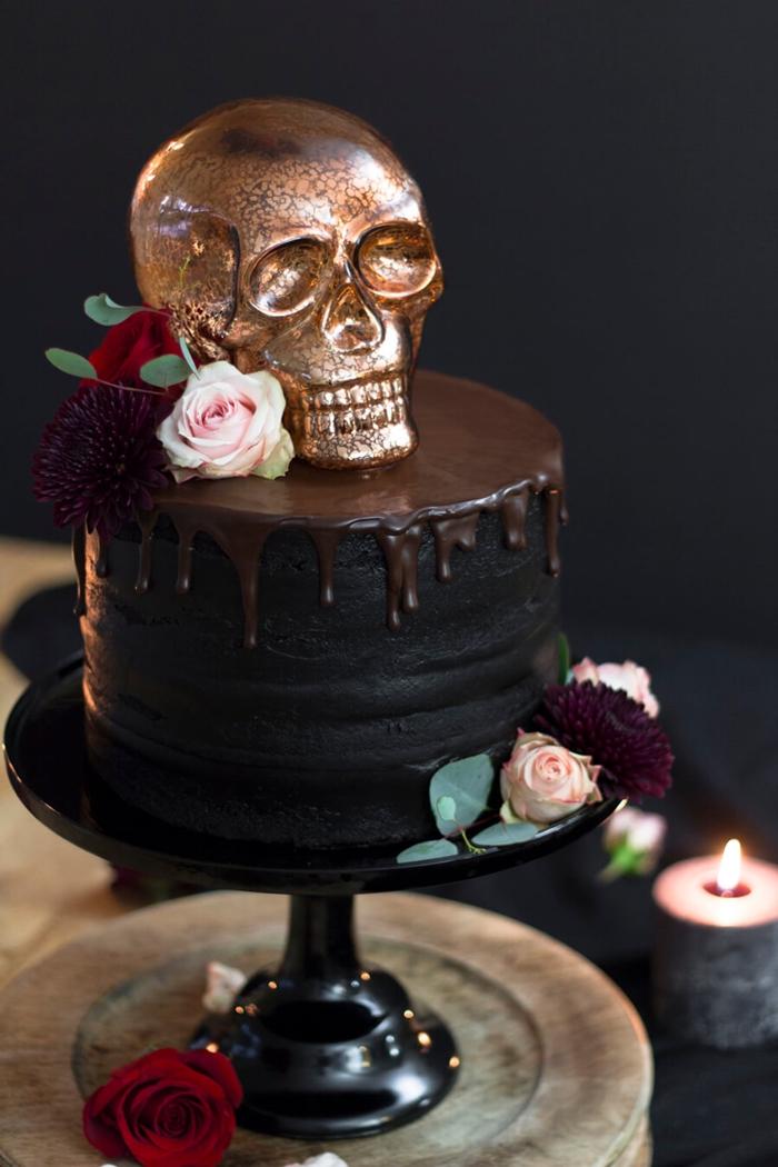 gateau halloween facile glacage noire crane en sucre dore colorant alimentaire dessert facile gateau maison chocolat