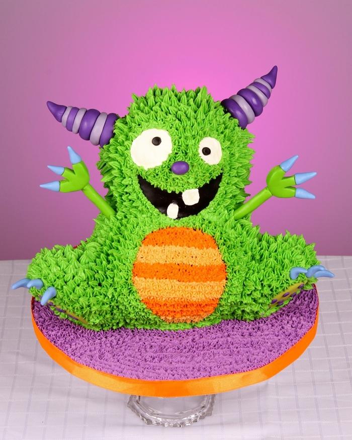gateau monstre amusant dessert halloween creme glacage colorant alimentaire patisserie art decoration gateau