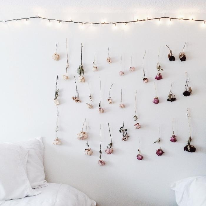 guirlande fleurs séchées décoration murale chambre ado diy suspension branche bois fleurs guirlande lumineuse