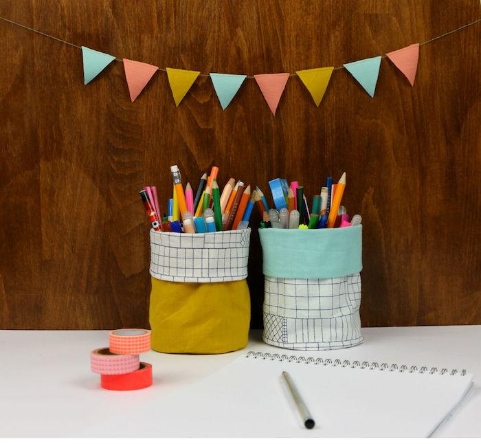 idée couture facile pour débutant pot à crayons en tissu cache pot à crayon a faire soi meme