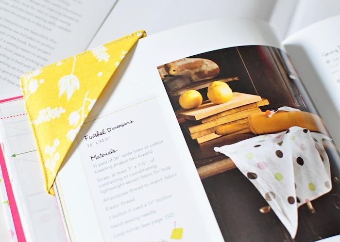 idée de coin de page a faire soi meme en tissu jaune fabriquer des objets en tissu facilement