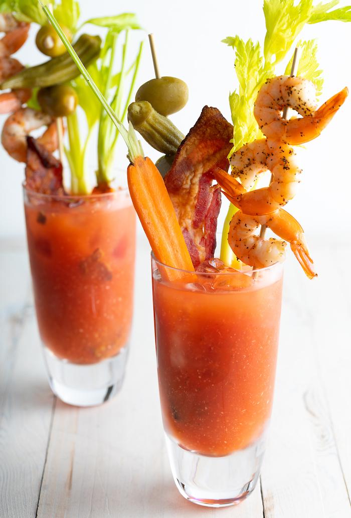 idee de bloody mary avec des crevettes celety carottes et bacon qu est ce qu on boit qu brunch