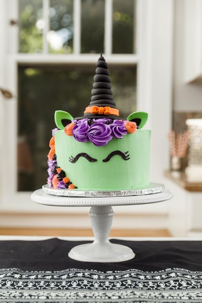 idee deco gateau facile licorne anniversaire fille halloween glaçage royal colorant alimentaire vert meringue yeux licornes chocolat