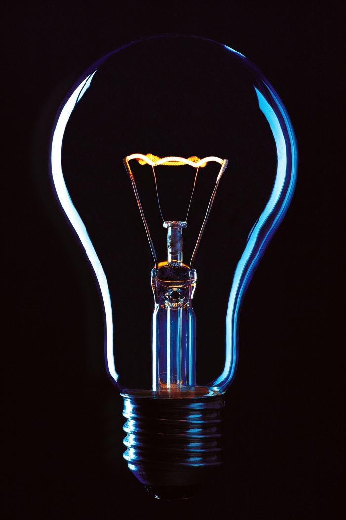 mission électricien résolution pannes électriques logement respect norme