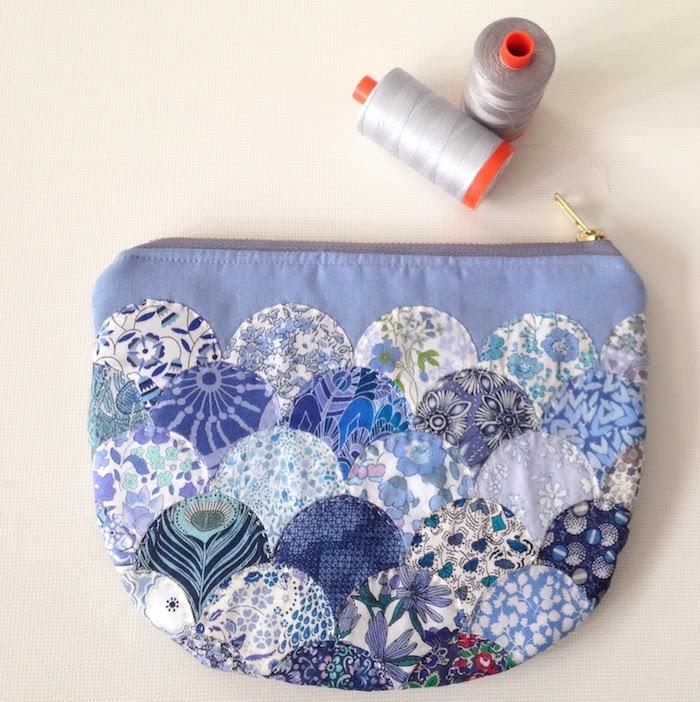 modèles de scas en tissu à faire soi meme avec des restes idée patchwork de tissus à imprimés variés
