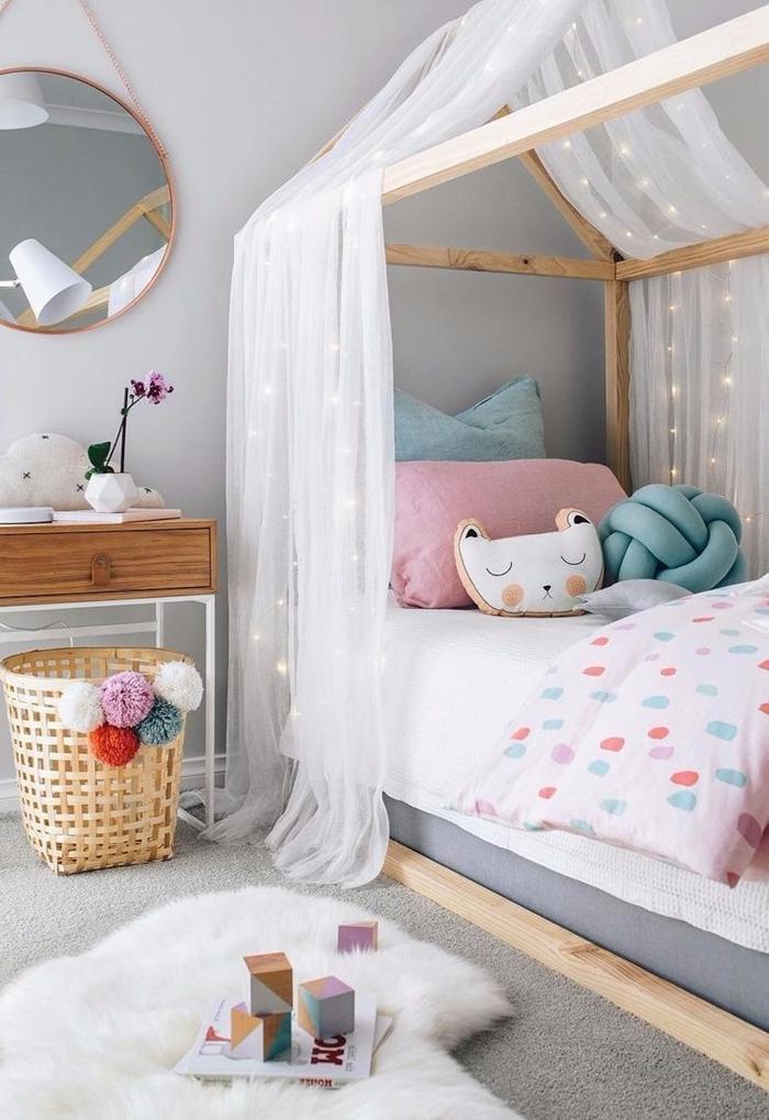mur gris peinture miroir rond bois bureau couleur chambre ado fille cadre de lit bois baldaquin coussin noeud