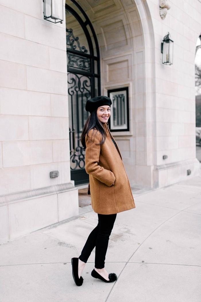pantalon slim noir femme chaussures plates noire pompon manteau camel comment mettre un béret noir automne