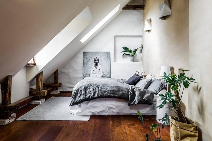 parquet bois foncé niche murale plante chambre peinture à effet sablé beige deco chambre parentale cosy gris et bois