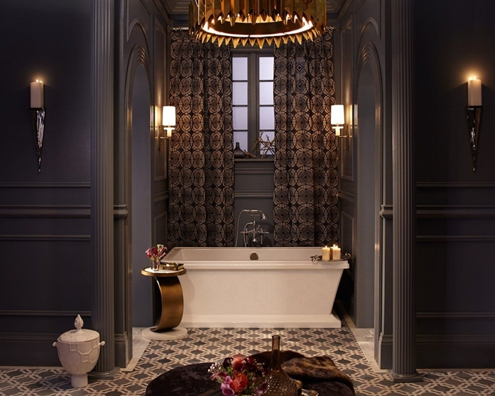 peinture foncée baignoire autoportante architecture art deco carrelage sol blanc et noir motifs géométriques applique murale